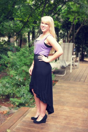 black high low skirt - light purple top - black wedges