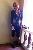 charcoal gray floral scarf scarf - black drop-crotch shorts - charcoal gray top