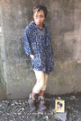 Brown-boots-navy-cape-jacket-beige-shorts