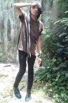 brown shirt - black jeans - black boots - black accessories