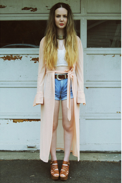 white gifted Dahlia shirt - peach gifted UNIF jacket - sky blue Levis shorts