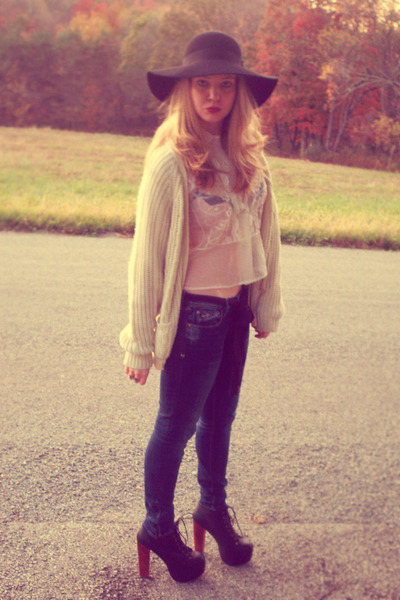 white vintage blouse - white vintage sweater - blue hollister jeans - black Jeff
