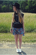 dark gray gifted vintage via Free People shirt - black gypsy warrior hat