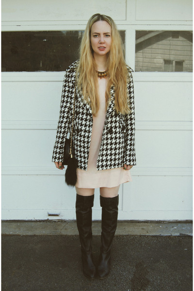 black gifted white crow coat - black gifted shoemint boots