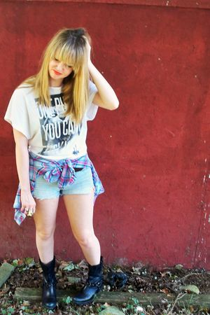 white DimePiece Designs t-shirt - blue hollister shorts - black sam edelman boot