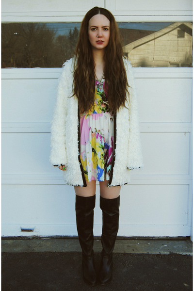 black gifted shoemint boots - light pink gifted lulus dress - white Ladakh coat