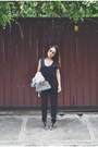 Houndstooth-vintage-purse-white-rayban-sunglasses-black-black-express-top