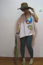 hat - cottonink top - leggings - shoes - necklace