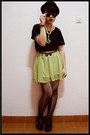 Black-ciel-top-black-centro-stockings-yellow-skirt-black-wedges