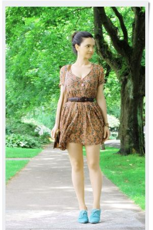 orange vintage dress - blue Urban Outfitters shoes - brown vintage belt - brown