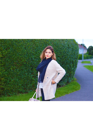 tan Sheinside coat - black River Island jeans - H&M shirt - tan Primark purse