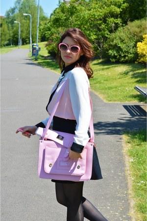 new look necklace - black Deichmann boots - bubble gum Boohoo sunglasses