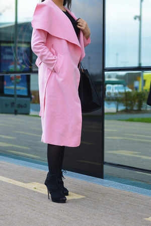 bubble gum Sheinside coat - black Zara bag - black Boohoo sandals