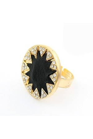 leather star Diamond Petal ring
