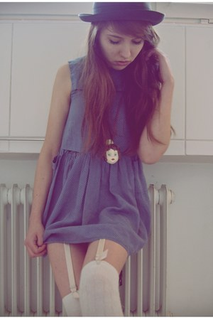 violet cotton vintage dress