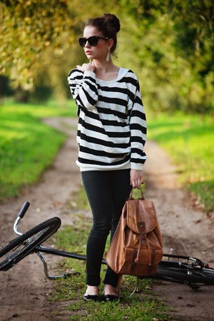 black striped H&M jumper - black skinny Bershka jeans - brown Accessorize bag