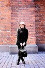Black-shoes-black-coat-neutral-bik-bok-hat-black-bag
