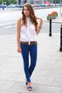 Navy-bershka-pants-white-bershka-blouse-blue-secondhand-heels