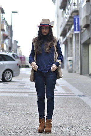 Parfois hat - Zara jeans - Zara jumper