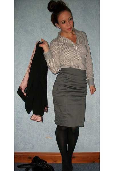 Gray Pencil Skirt H&M Skirts, Black Fitted H&M Blazers, Gray ...