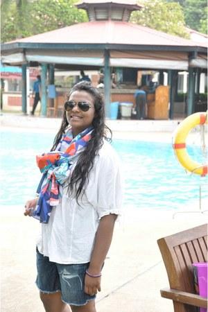 H&M scarf - American Eagle shorts - Bershka top