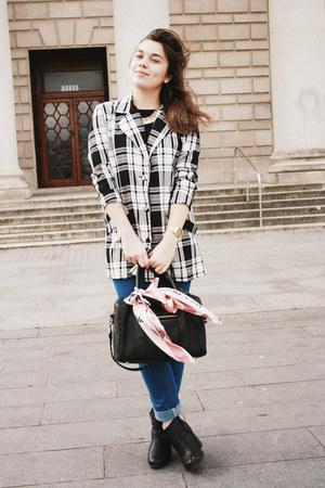 blue Cheap Monday jeans - black vintage jacket