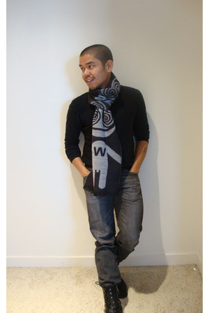 black Club Monaco sweater - gray Uniqlo jeans - black calvin klein boots - gray 