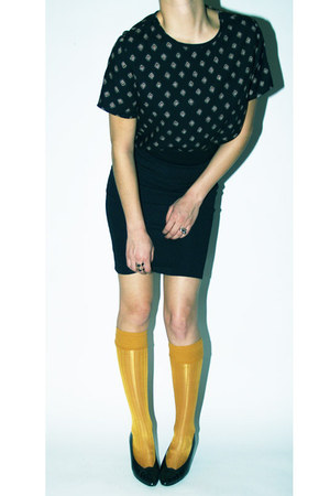 black Dirty Vintage shoes - mustard Forever 21 socks - black H&M skirt - black D