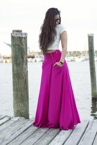 hot pink maxi tory burch skirt - white crop top Forever 21 t-shirt