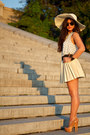 Nude-pumps-alejandro-ingelmo-shoes-neutral-straw-hat-marley-lilly-hat