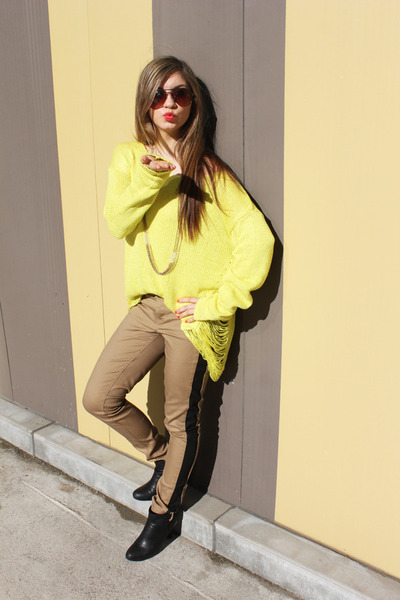 yellow knit Forever 21 sweater - camel pants Forever 21 pants