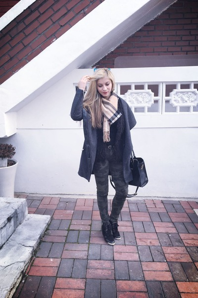 gray coat Bershka jacket