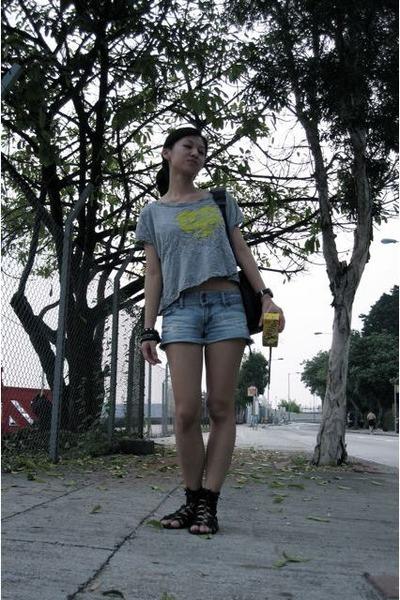 gray IloveNY t-shirt - blue hollister shorts - black rubi shoes - black accessor