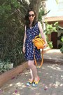 Walk-slacks-shoes-second-hand-dress-second-hand-bag
