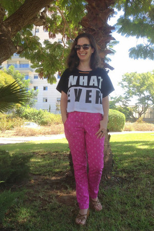 DIY pants - tnt t-shirt