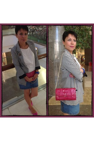 blue denim Levis skirt - hot pink faux snake skin Mango bag