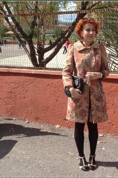 Mango bag - Adil Işık coat - Mango sunglasses - Stradivarius flats
