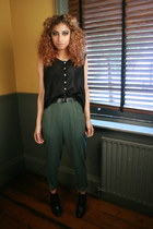 forest green DollsMaison pants - black leather ankle Carvela boots