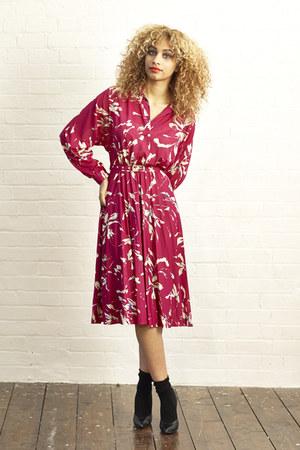hot pink pleated midi DollsMaison dress - black cotton ankle H&M socks