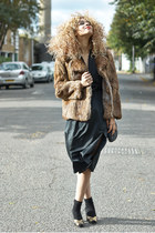 brown fur DollsMaison coat - black midi evening DollsMaison dress