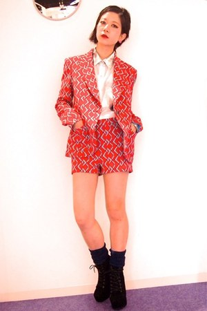 red paisley jacket Dolly & Molly blazer