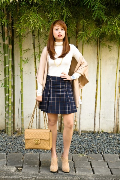 camel Chanel bag - ivory Stradivarius top - navy F&F skirt