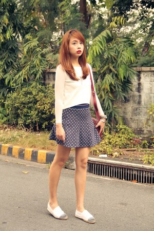 navy Zara skirt - maroon goyard bag - white Zalora top
