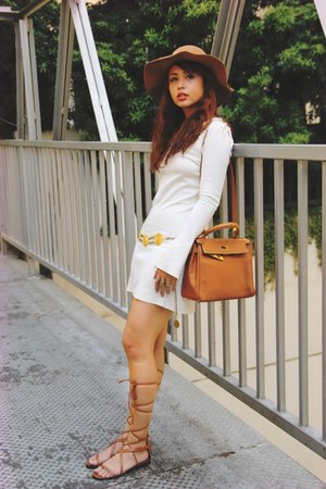 tawny Hermes bag - ivory Zara dress - brown Mango sandals