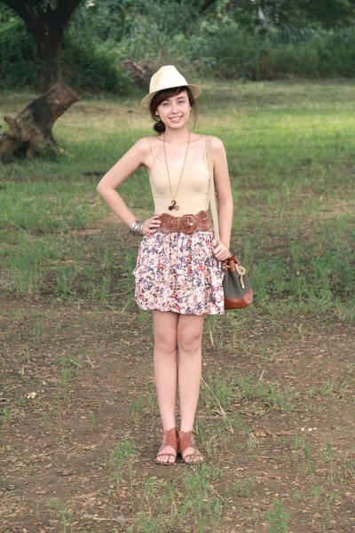 brown brown flats Pill shoes - brown drawstring bag H&M bag - pink Zara skirt