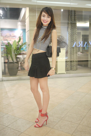 black Chanel bag - black Miss Selfridge top - black Ihana skirt