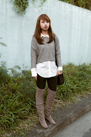 white Mango top - heather gray Cole Haan boots - navy bcbg max azria tights