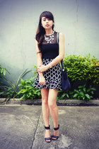 navy Hermes bag - navy pinkaholic skirt - black H&M heels - black Forever 21 top