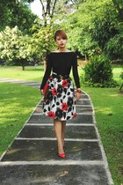 ruby red Metro Department Store skirt - red Valentino bag - red Zara heels