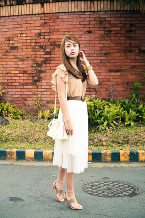 nude Zara top - off white Louis Vuitton bag - eggshell skirt - camel Chanel belt